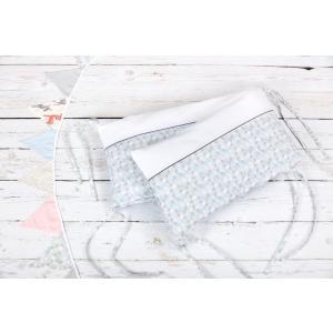 KraftKids Nestchen Uniweiss und kleine Dreiecke blau grau weiß Nestchenlänge 60-60-60 cm für Bettgröße 120 x 60 cm