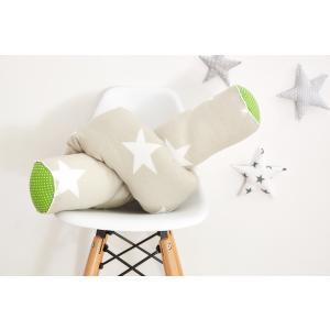 KraftKids Bettrolle große weiße Sterne auf Beige und weiße Punkte auf Grün Rollenlänge 140 cm