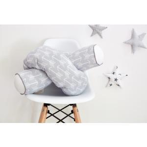 KraftKids Bettrolle weiße Pfeile auf Grau Rollenlänge 140 cm