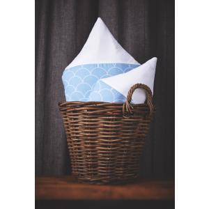 KraftKids Dekoration Stoffhäuschen Uniweiss und weiße Halbkreise auf Pastelblau Inhalt: ein kleines und großes Häuschen