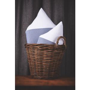 KraftKids Dekoration Stoffhäuschen Uniweiss und dünne Streifen dunkelblau Inhalt: ein kleines und großes Häuschen