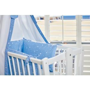 KraftKids Nestchen abgerundete Dreiecke weiß auf Blau Nestchenlänge 60-60-60 cm für Bettgröße 120 x 60 cm