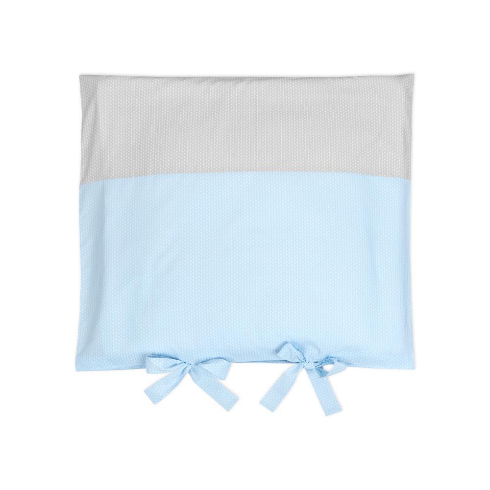KraftKids Bezug für Wickeltischauflage kleine Blätter hellblau auf Weiß