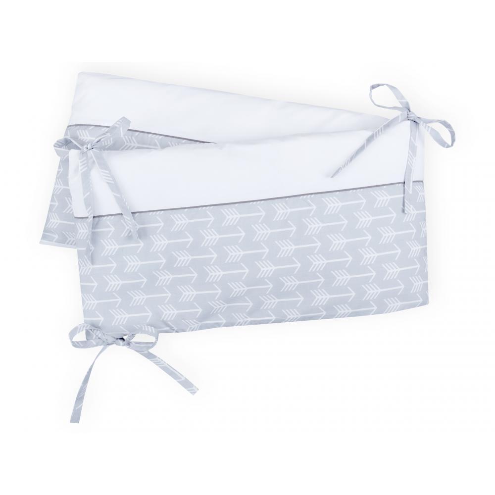 KraftKids Nestchen weiße Pfeile auf Grau Nestchenlänge 60-70-60 cm für Bettgröße 140 x 70 cm