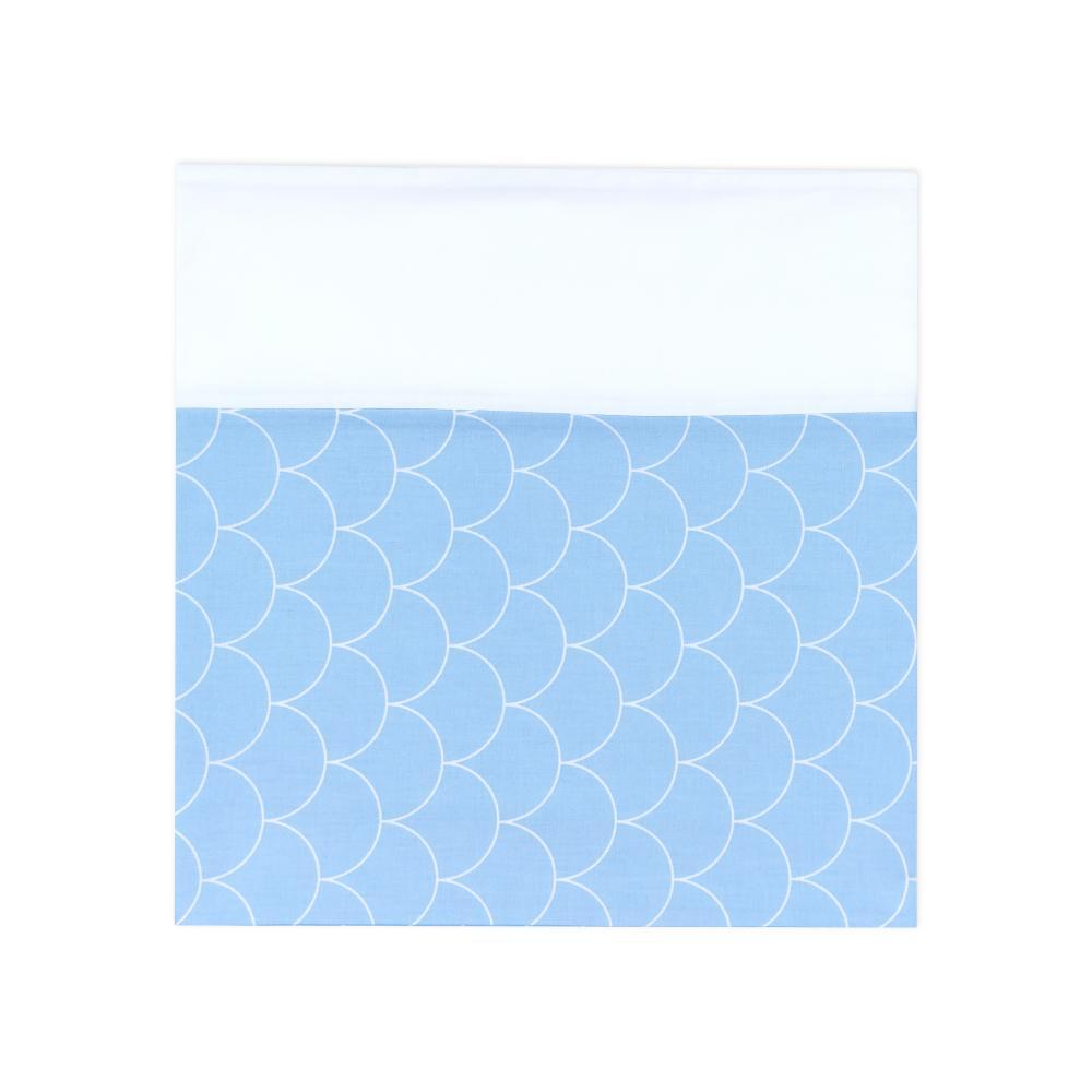KraftKids Stilltuch Uniweiss und weiße Halbkreise auf Pastelblau