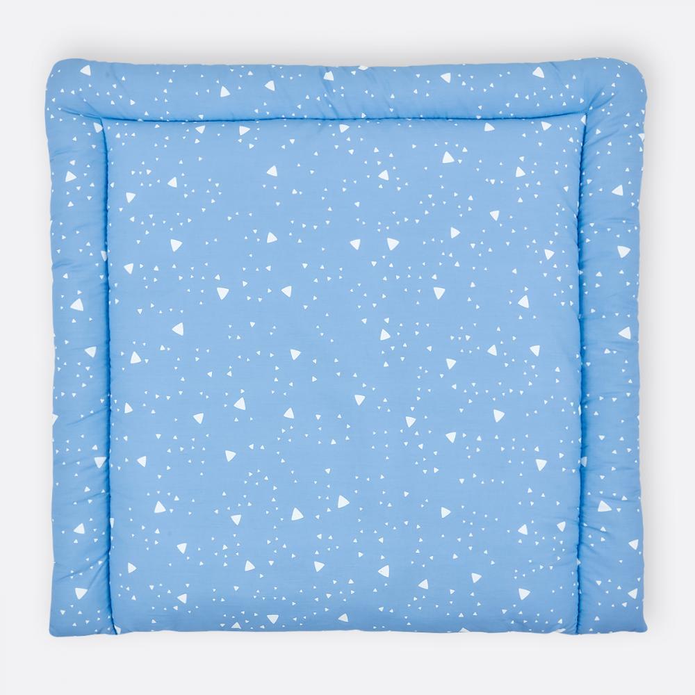 KraftKids Wickelauflage abgerundete Dreiecke weiß auf Blau 85 cm breit x 75 cm tief