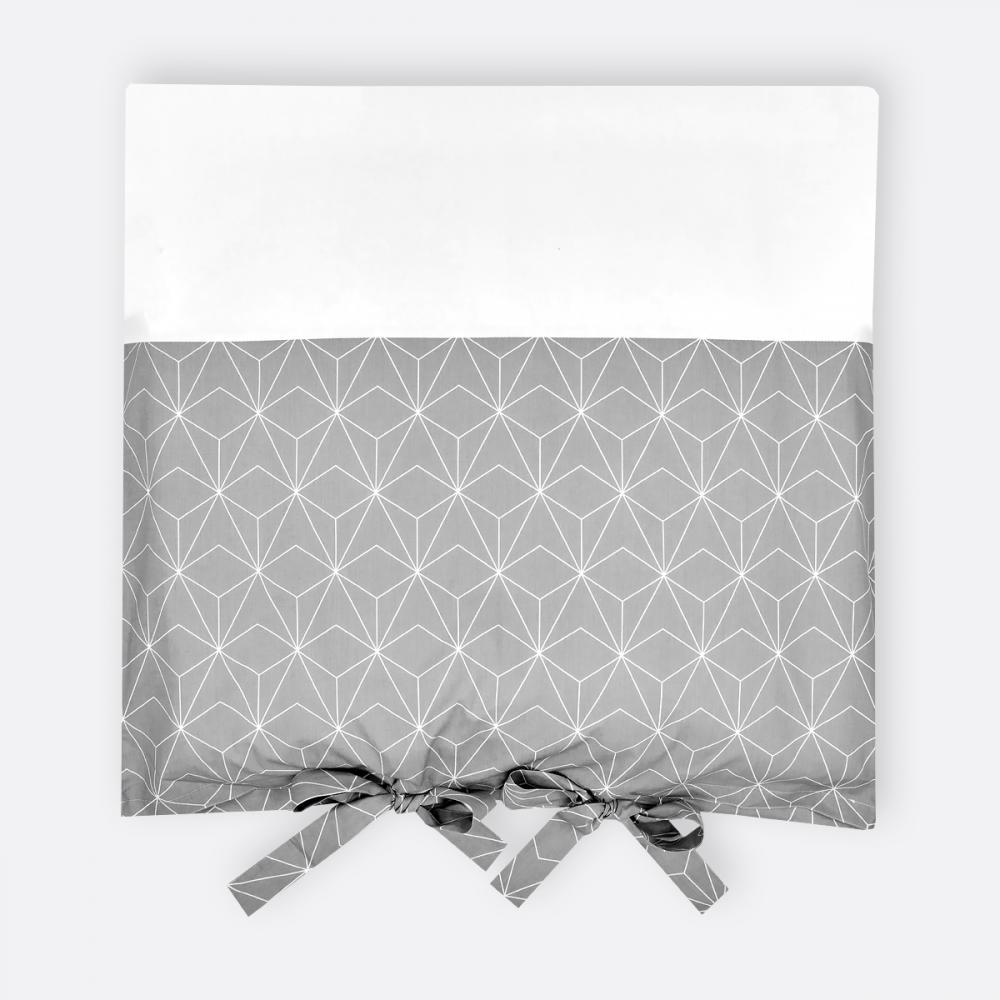 Kuscheldecke 70 cm x 100 cm KraftKids Babydecke in wei/ße d/ünne Diamante auf Grau Fleecedecke mit Liebe handgefertigt in der EU