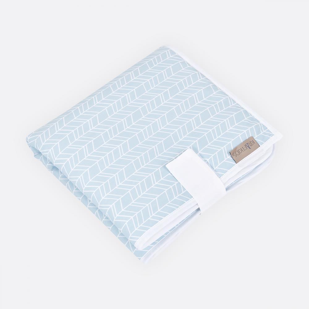 KraftKids Reisewickelunterlage weiße Feder Muster auf Blau 3 Lagen wasserundurchlässig weich Frotte 100% Baumwolle