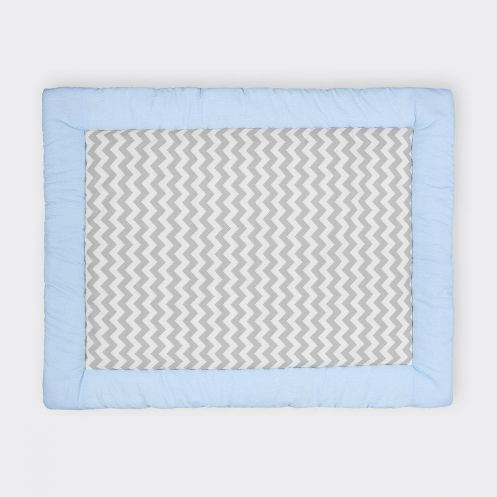 KraftKids Krabbeldecke weiße Punkte auf Hellblau und Chevron grau
