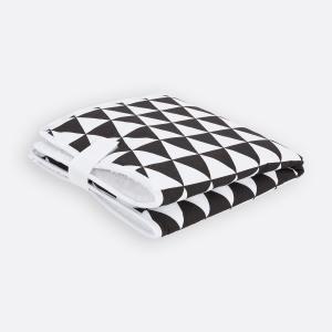 KraftKids Reisewickelunterlage schwarze Dreiecke 3 Lagen wasserundurchlässig weich Frotte 100% Baumwolle