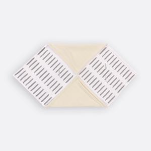 KraftKids Decke für Babyschale Winter graue Striche auf Weiß