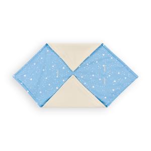 KraftKids Decke für Babyschale Winter abgerundete Dreiecke weiß auf Blau