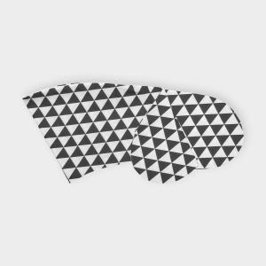 KraftKids Stillkissenbezug schwarze Dreiecke