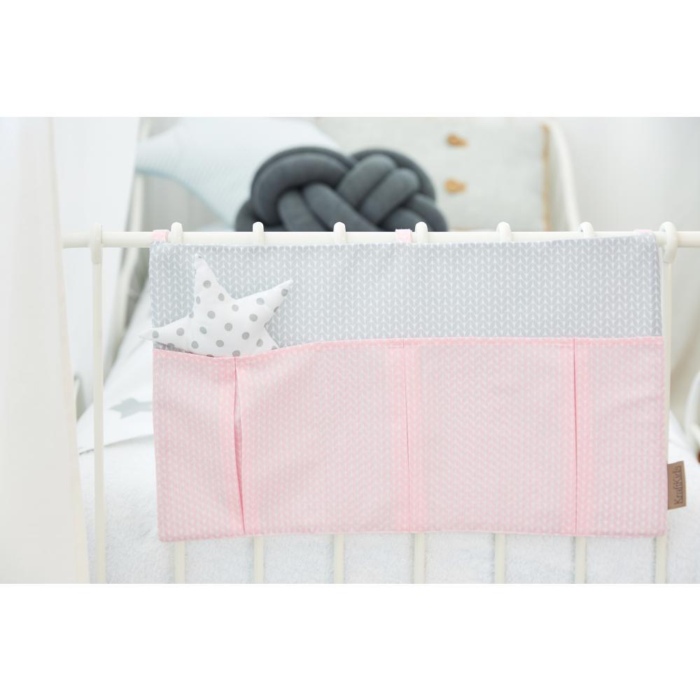 KraftKids Betttasche kleine Blätter rosa auf Weiß