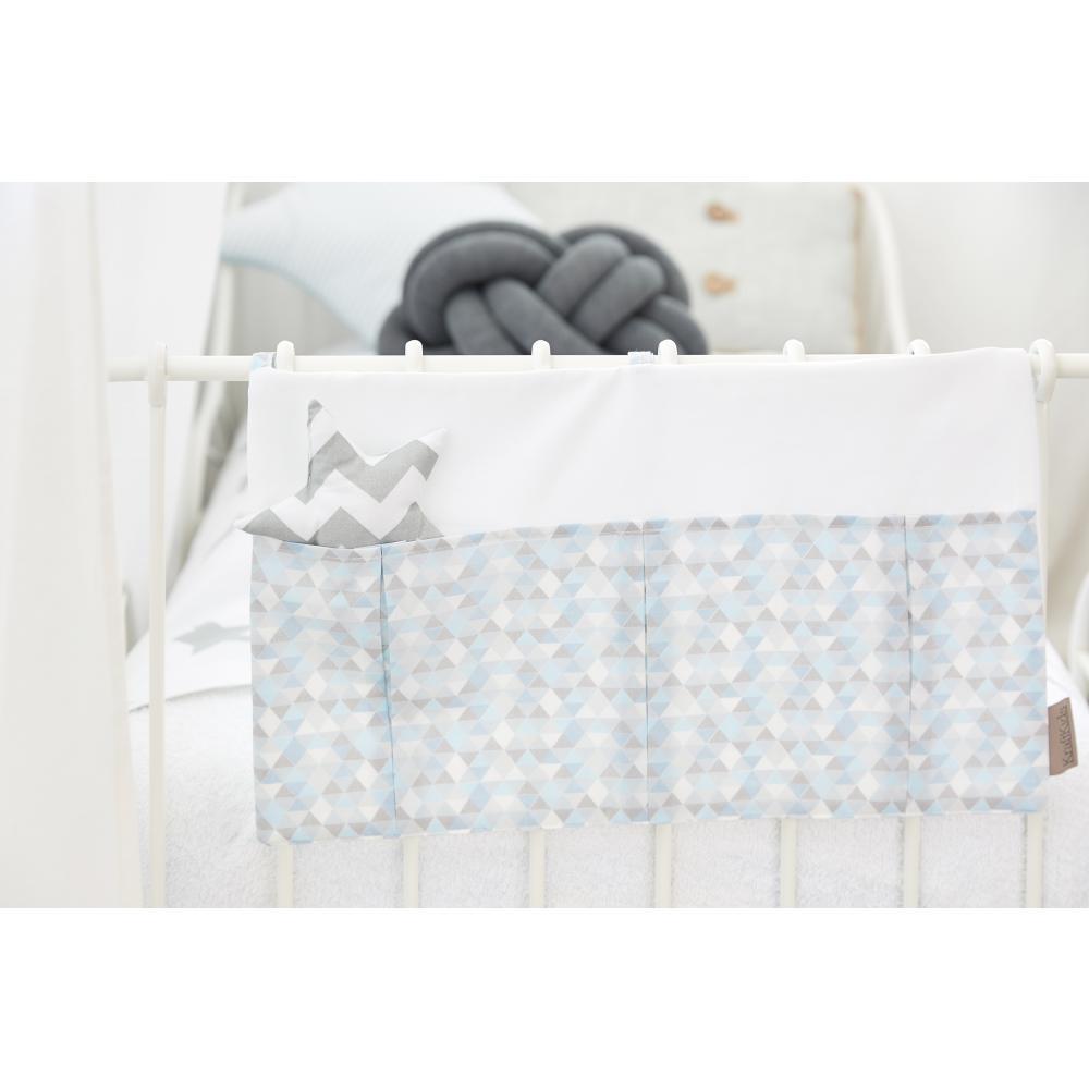 KraftKids Betttasche Uniweiss und kleine Dreiecke blau grau weiß