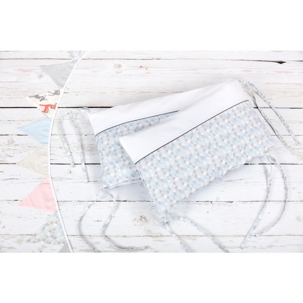 KraftKids Nestchen Uniweiss und kleine Dreiecke blau grau weiß Nestchenlänge 60-70-60 cm für Bettgröße 140 x 70 cm
