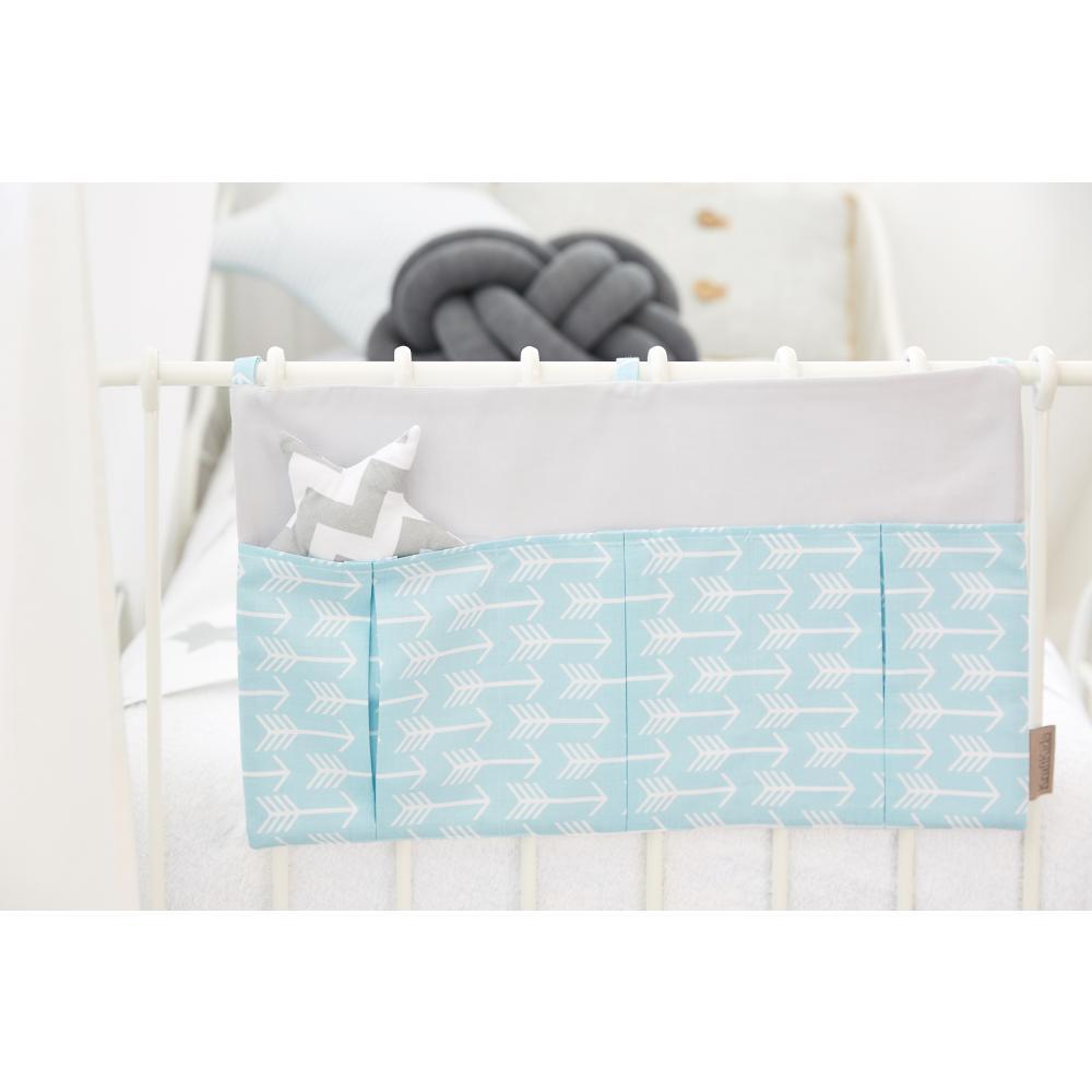 KraftKids Betttasche weiße Pfeile auf Blau und Unigrau