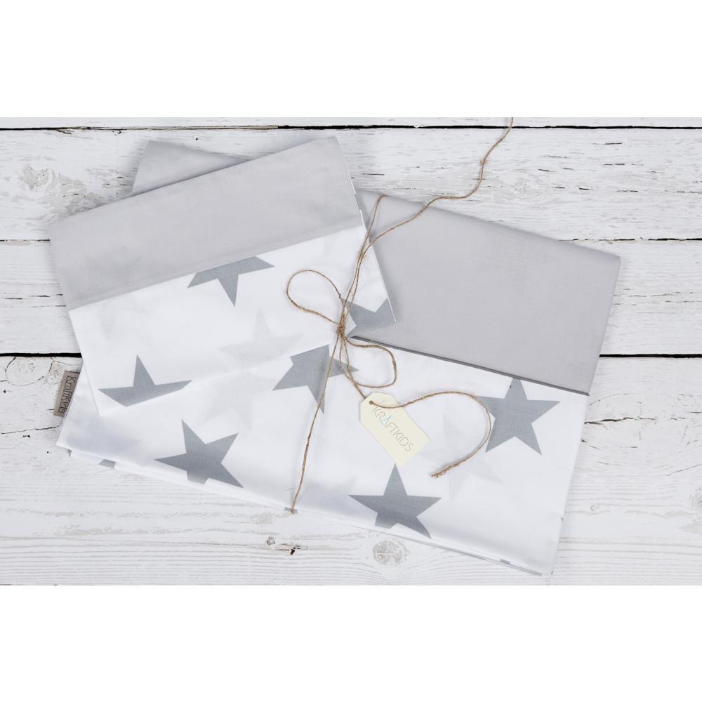 KraftKids Bettwäscheset große graue Sterne auf Weiss und Unigrau 100 x 135 cm, Kissen 40 x 60 cm