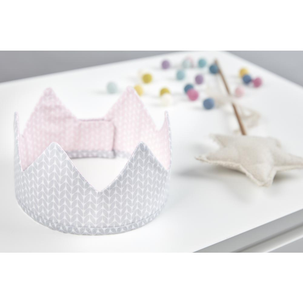 KraftKids Dekoration Stoffkrone kleine Blätter rosa auf Weiß und weiße Punkte auf Grau
