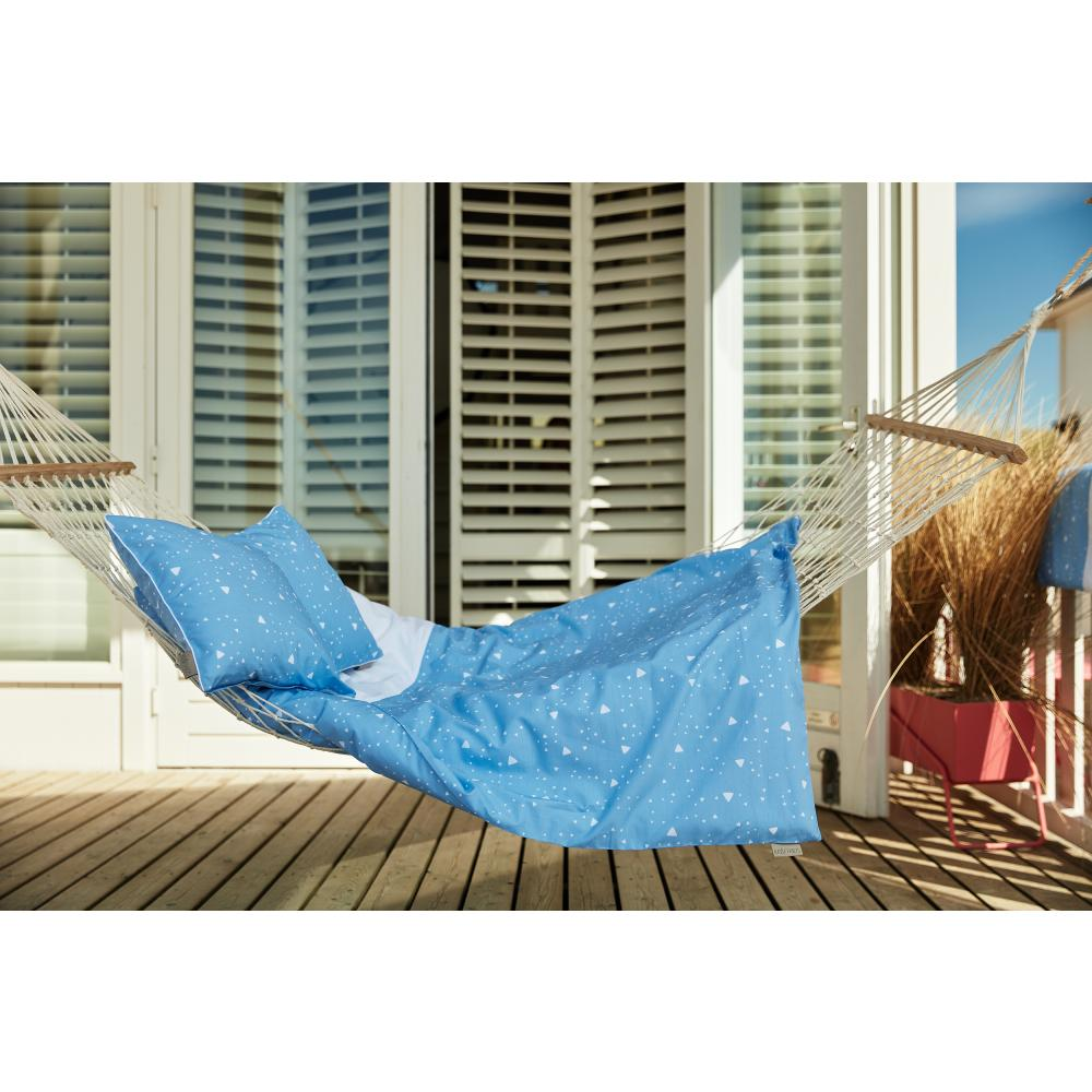 KraftKids Bettwäscheset abgerundete Dreiecke weiß auf Blau 140 x 200 cm, Kissen 80 x 80 cm