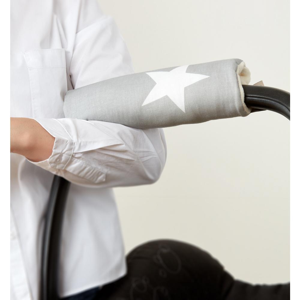 KraftKids Armschoner Babyschale große weiße Sterne auf Grau Babyschale Armpolster