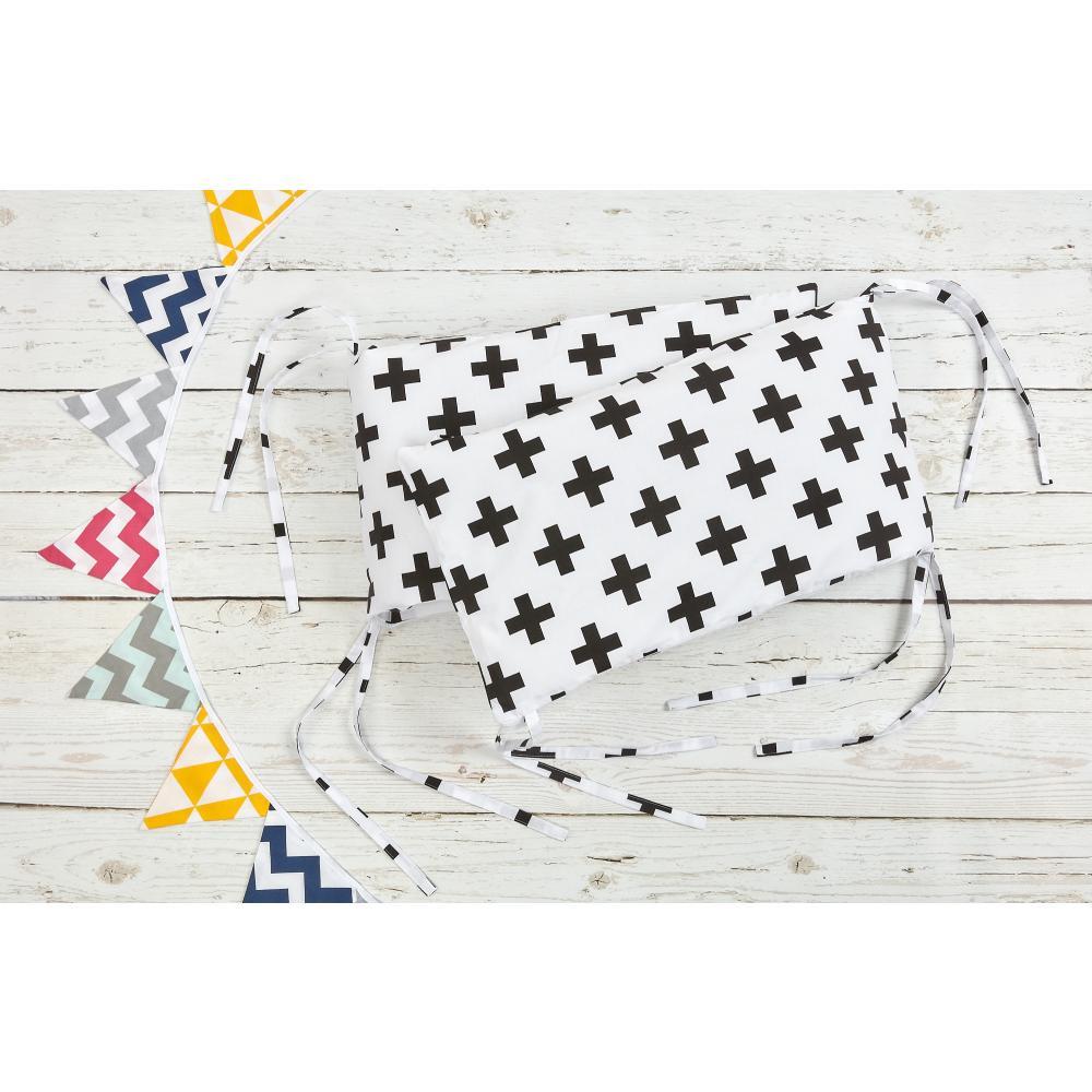 KraftKids Nestchen schwarze Pluszeichen Nestchenlänge 60-70-60 cm für Bettgröße 140 x 70 cm