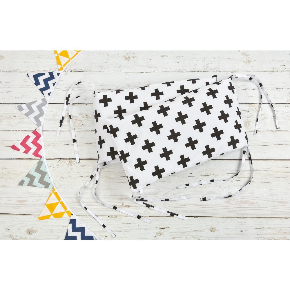 KraftKids Nestchen schwarze Pluszeichen Nestchenlänge 60-60-60 cm für Bettgröße 120 x 60 cm