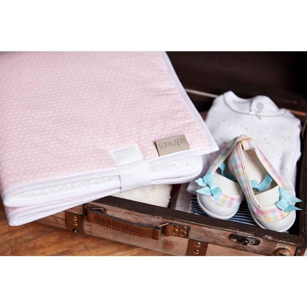 KraftKids Reisewickelunterlage kleine Blätter rosa auf Weiß 3 Lagen wasserundurchlässig weich Frotte 100% Baumwolle