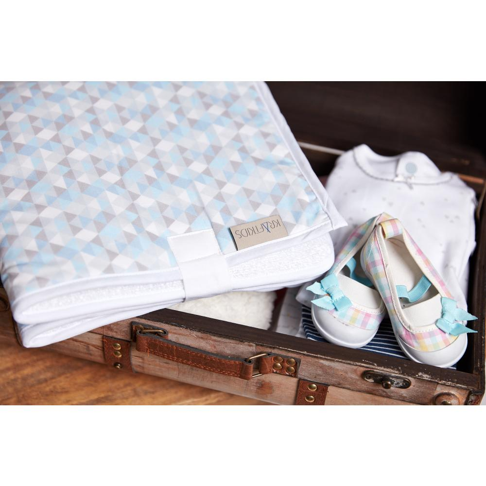 KraftKids Reisewickelunterlage kleine Dreiecke blau grau weiß 3 Lagen wasserundurchlässig weich Frotte 100% Baumwolle