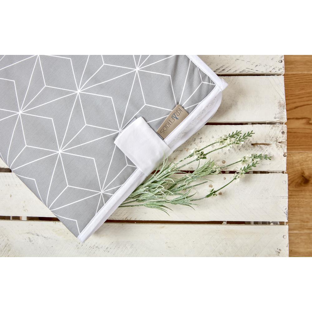KraftKids Reisewickelunterlage weiße dünne Diamante auf Grau 3 Lagen wasserundurchlässig weich Frotte 100% Baumwolle