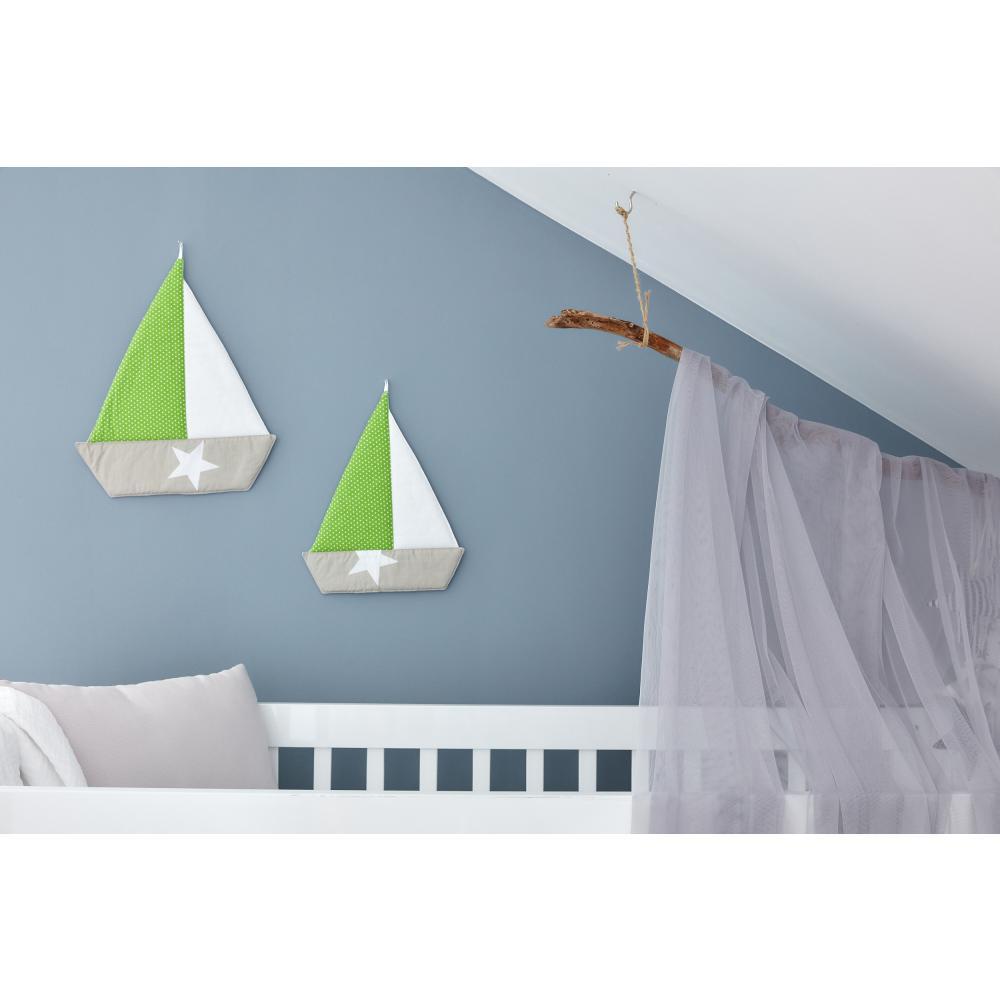 KraftKids Dekoration Segelboot weiße Punkte auf Grün