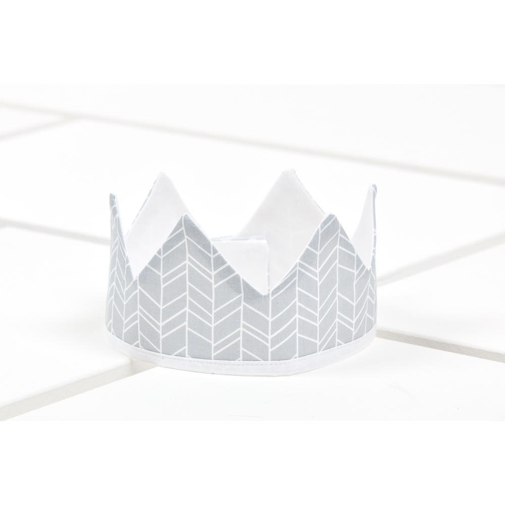KraftKids Dekoration Stoffkrone weiße Feder Muster auf Grau