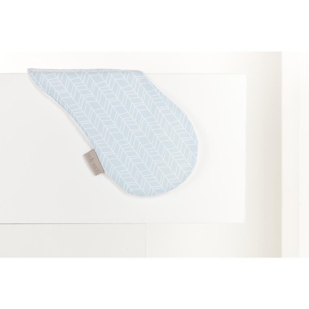KraftKids Spucktuch weiße Feder Muster auf Blau