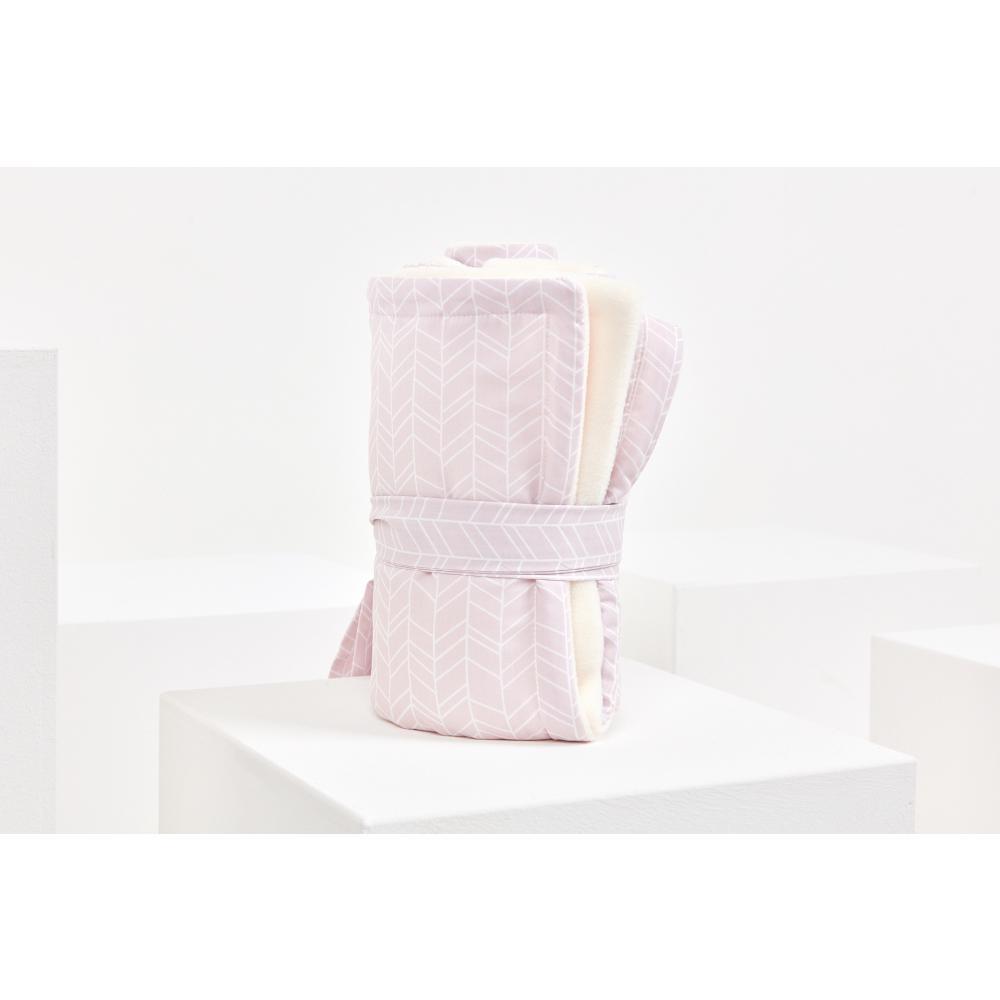 KraftKids Babydecke weiße Feder Muster auf Rosa
