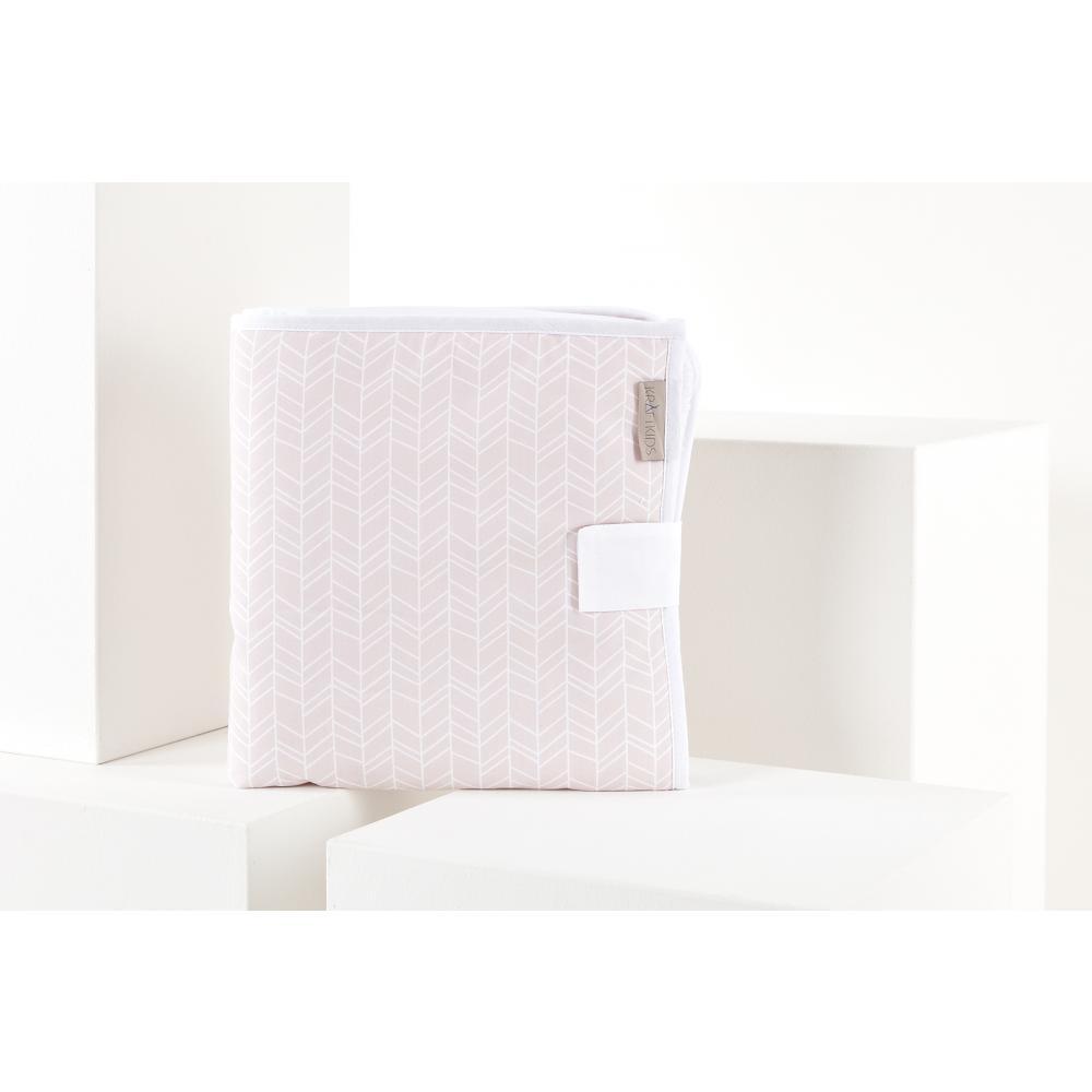 KraftKids Reisewickelunterlage weiße Feder Muster auf Rosa 3 Lagen wasserundurchlässig weich Frotte 100% Baumwolle