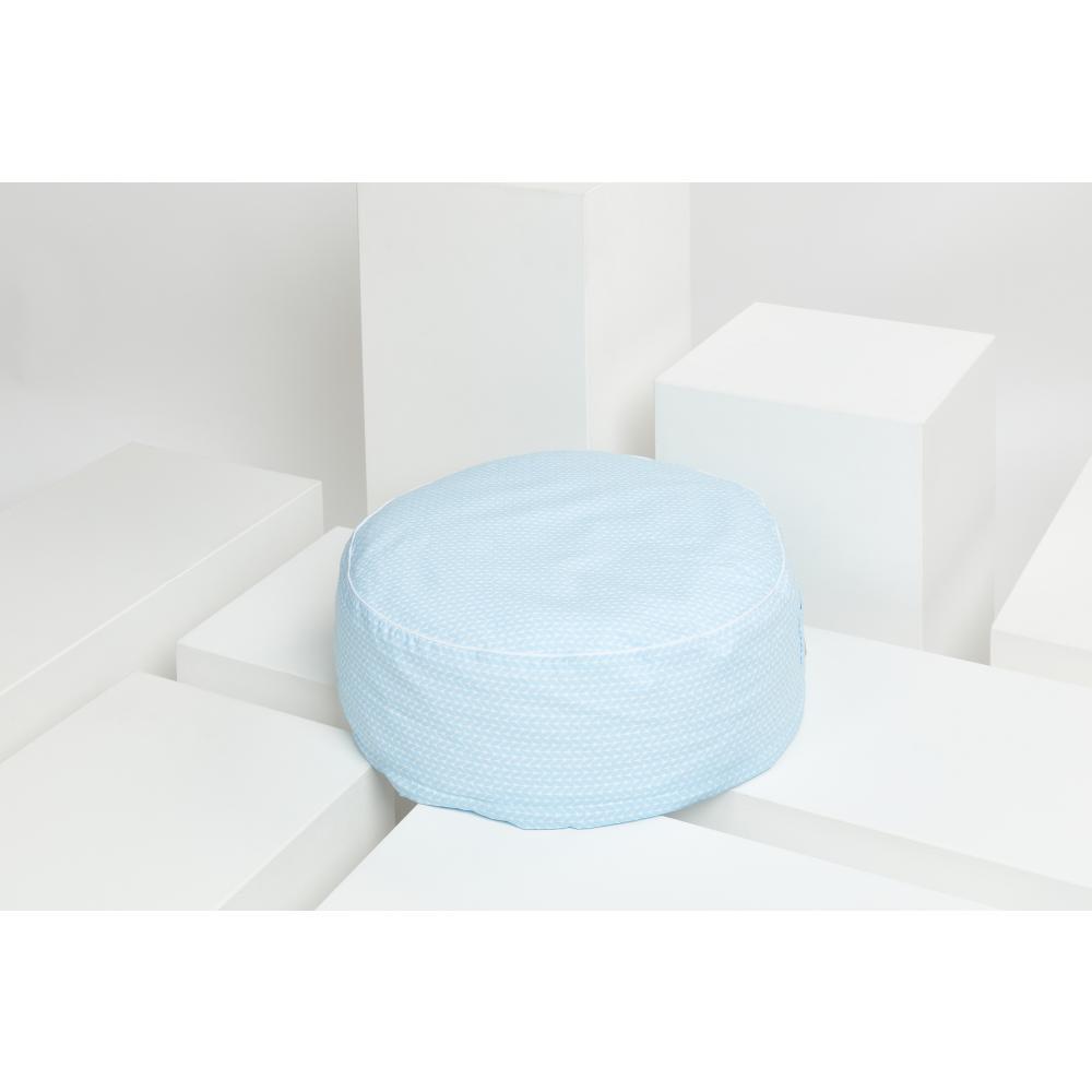 KraftKids Sitzpuff kleine Blätter hellblau auf Weiß mit Micro-EPS-Perlen mit TOXPROOF-ZERTIFIKAT des TÜV-Rheinland