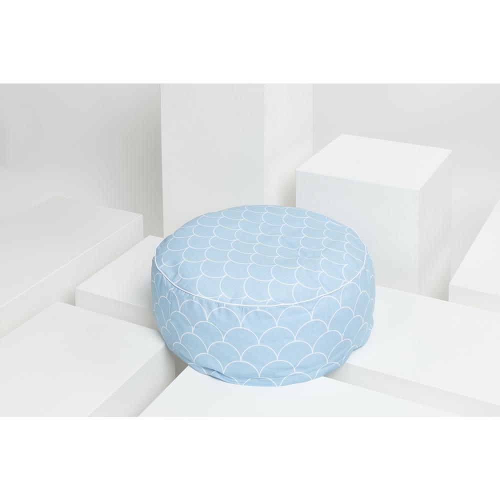 KraftKids Sitzpuff weiße Halbkreise auf Pastelblau mit Micro-EPS-Perlen mit TOXPROOF-ZERTIFIKAT des TÜV-Rheinland