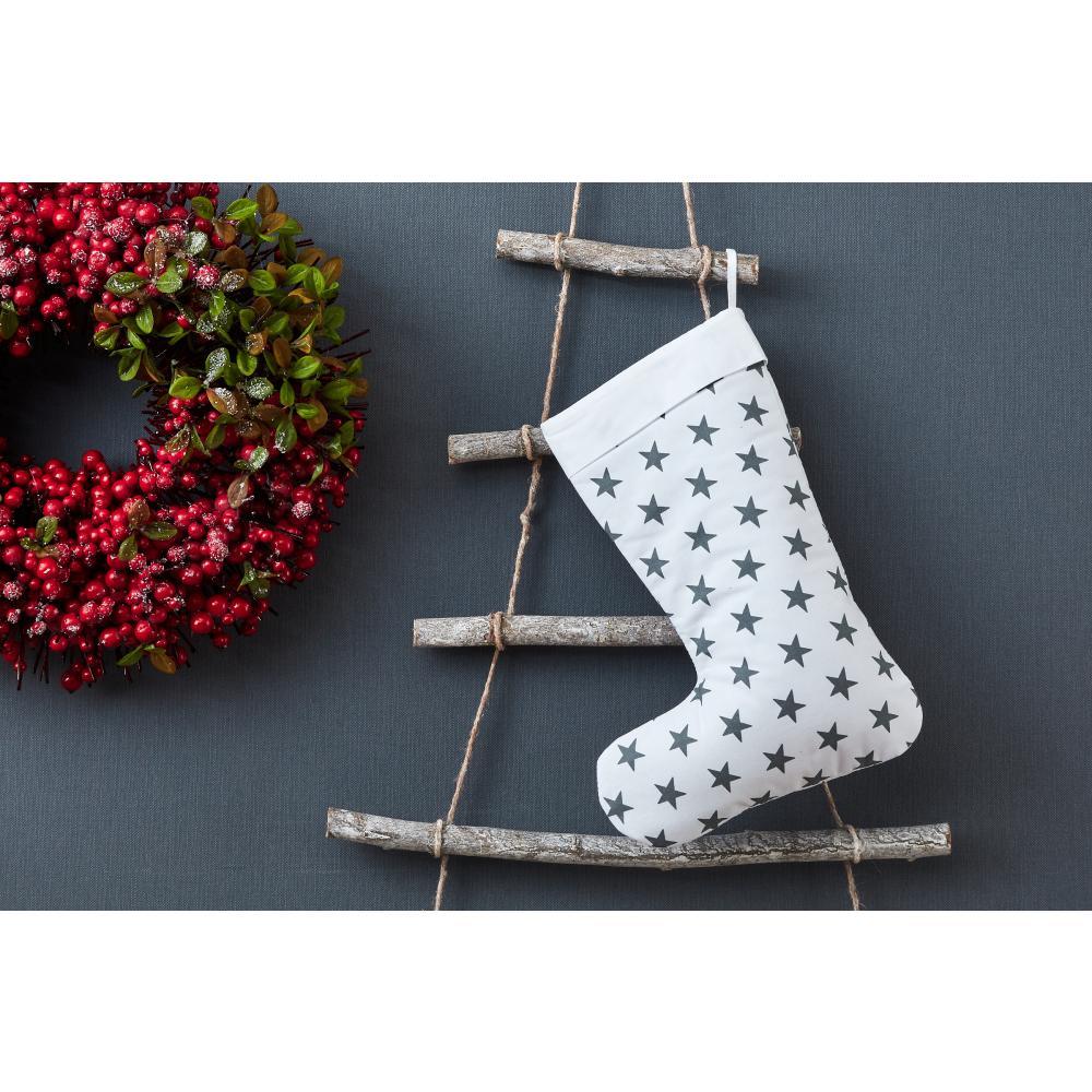 KraftKids Weihnachtssocke kleine graue Sterne auf Weiss Weihnachtsstrumpf