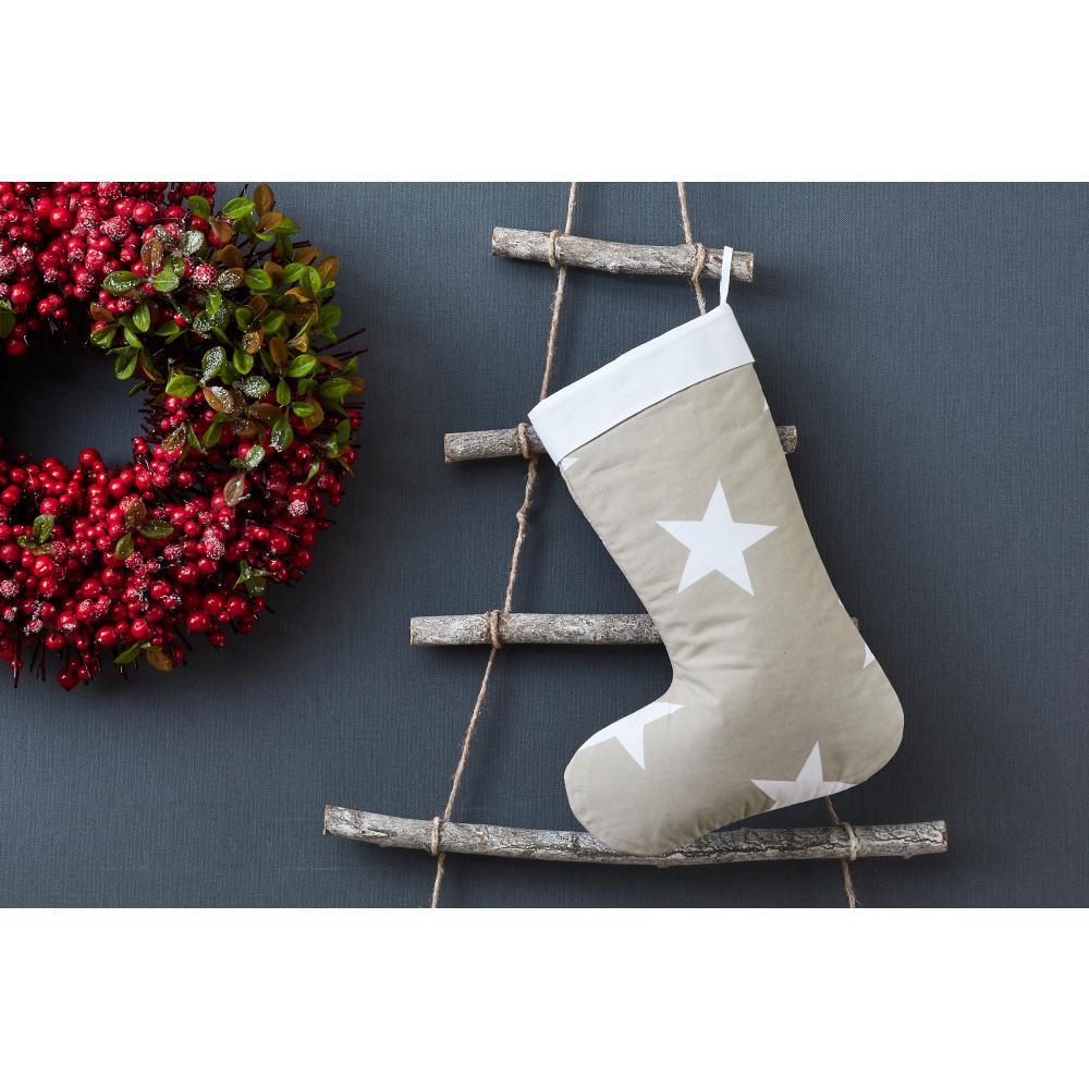 KraftKids Weihnachtssocke große weiße Sterne auf Beige Weihnachtsstrumpf