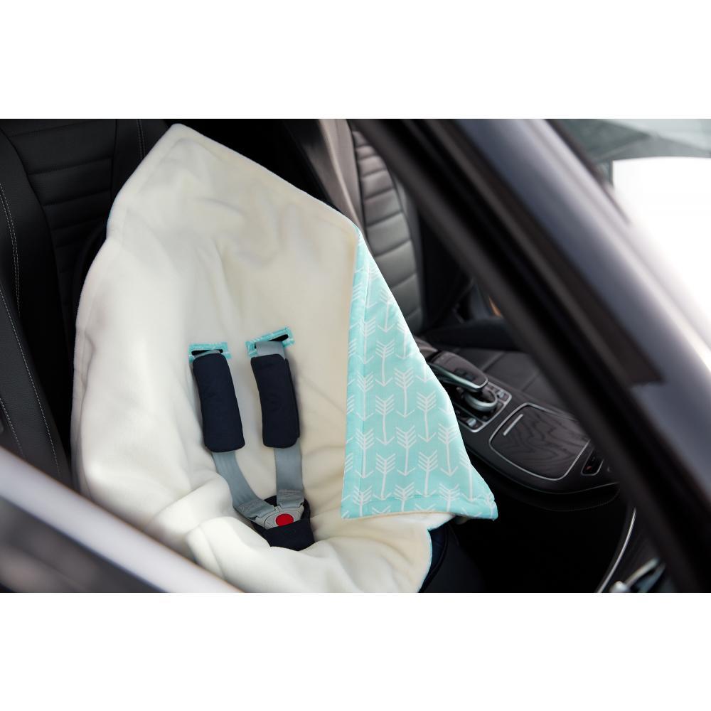 KraftKids Decke für Babyschale Winter weiße Pfeile auf Blau