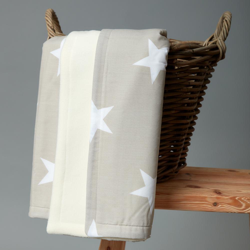 KraftKids Babydecke große weiße Sterne auf Beige