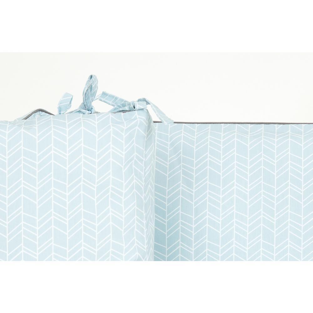 KraftKids Nestchen weiße Feder Muster auf Blau Nestchenlänge 60-60-60 cm für Bettgröße 120 x 60 cm