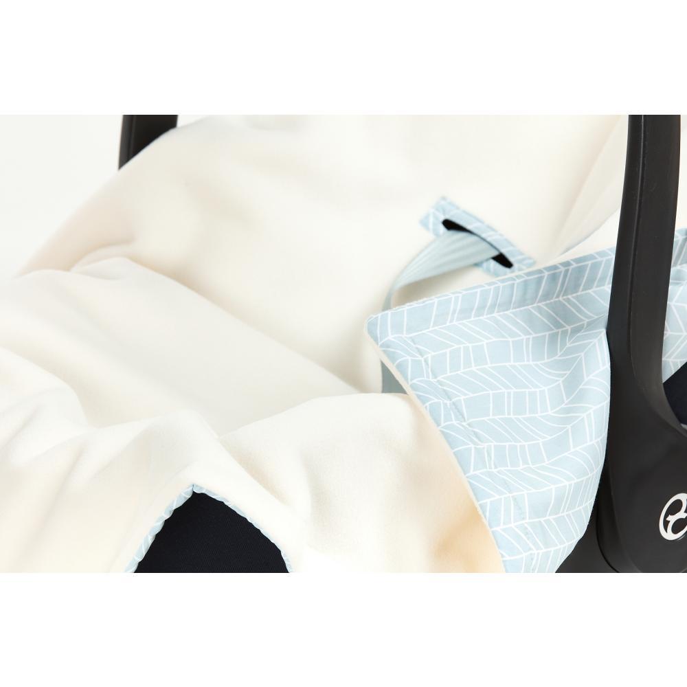 KraftKids Decke für Babyschale Winter weiße Feder Muster auf Blau