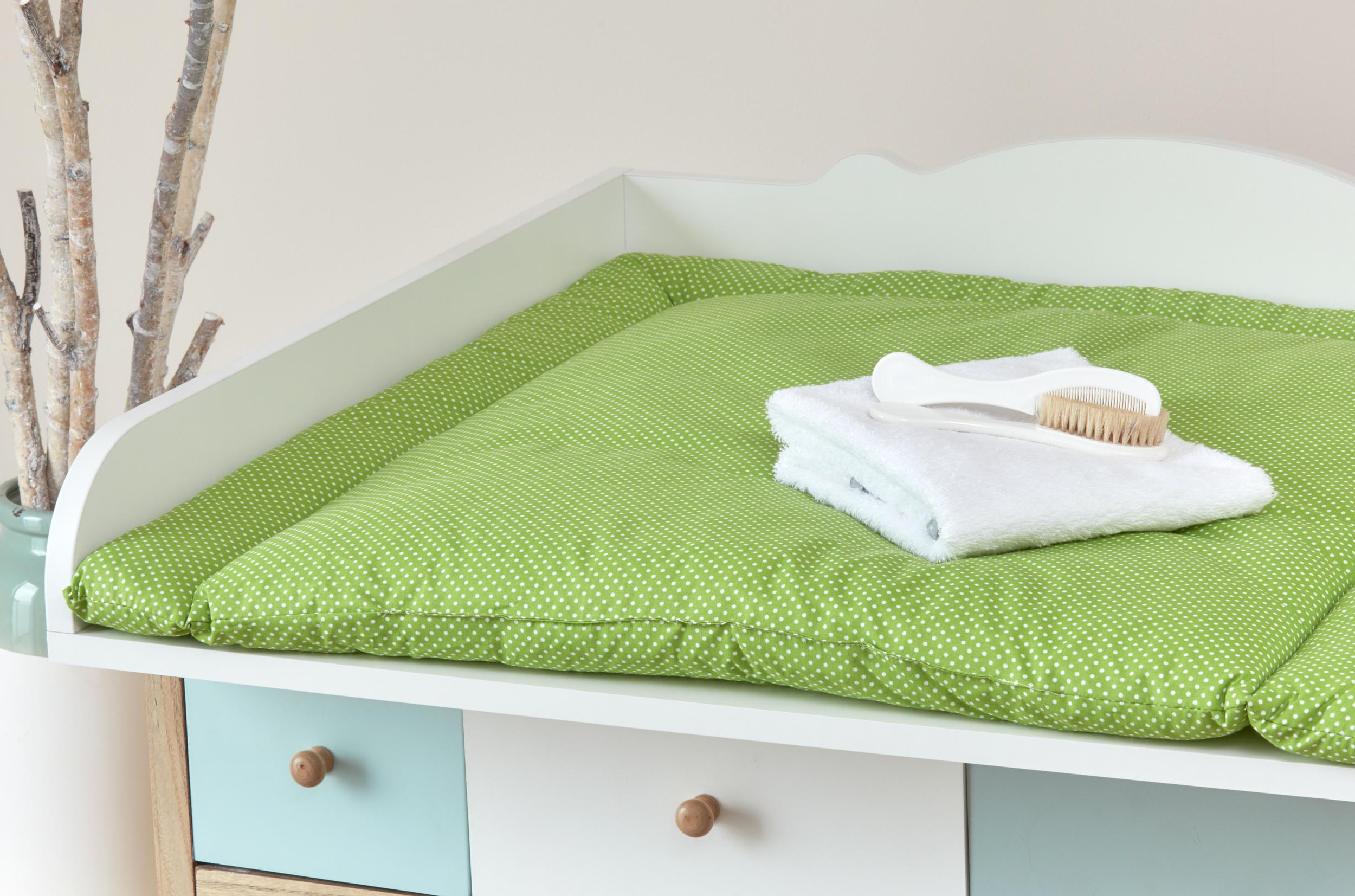 kraftkids wickelauflage wei e punkte auf gr n breit 75 x tief 70 cm. Black Bedroom Furniture Sets. Home Design Ideas