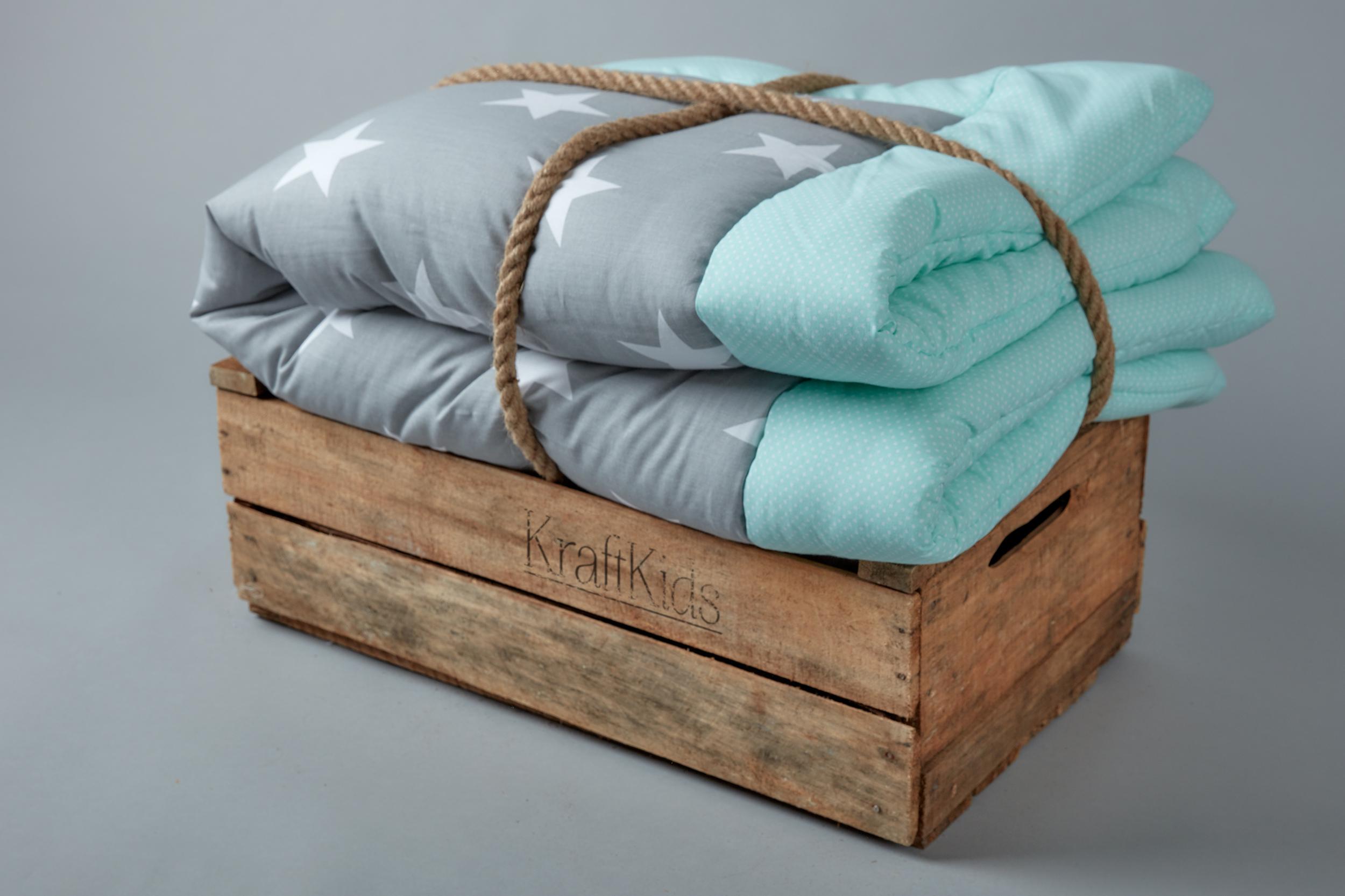 kraftkids krabbeldecke gro e wei e sterne auf grau und. Black Bedroom Furniture Sets. Home Design Ideas
